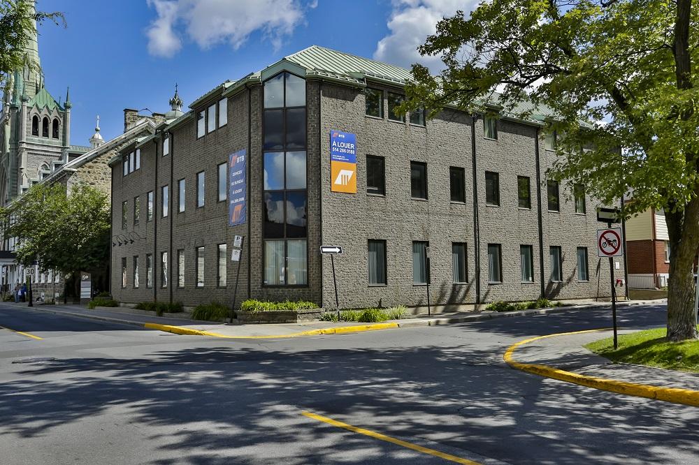 50 Saint-Charles Street West