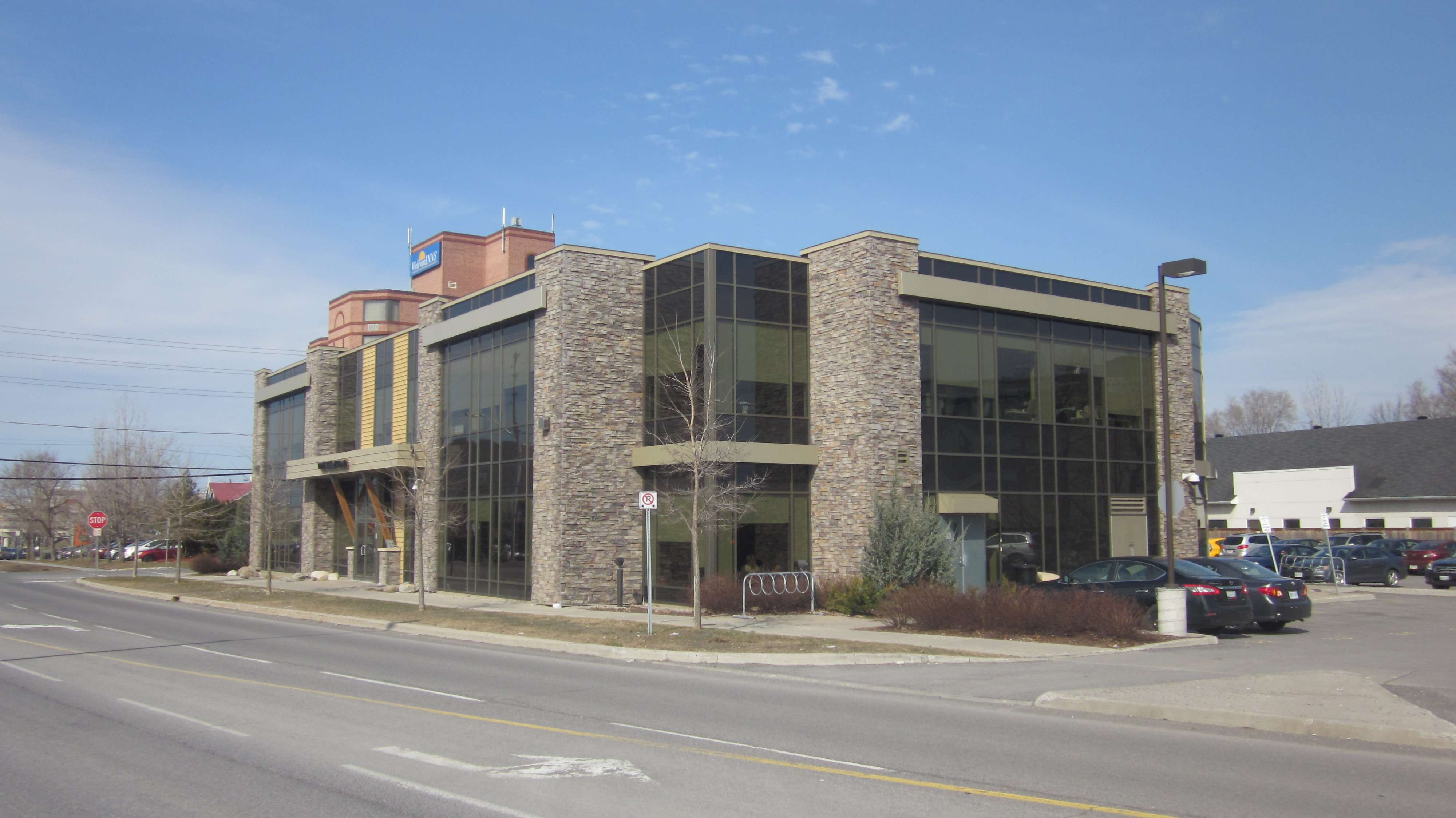 1209 Michael Street, Gloucester, Ontario