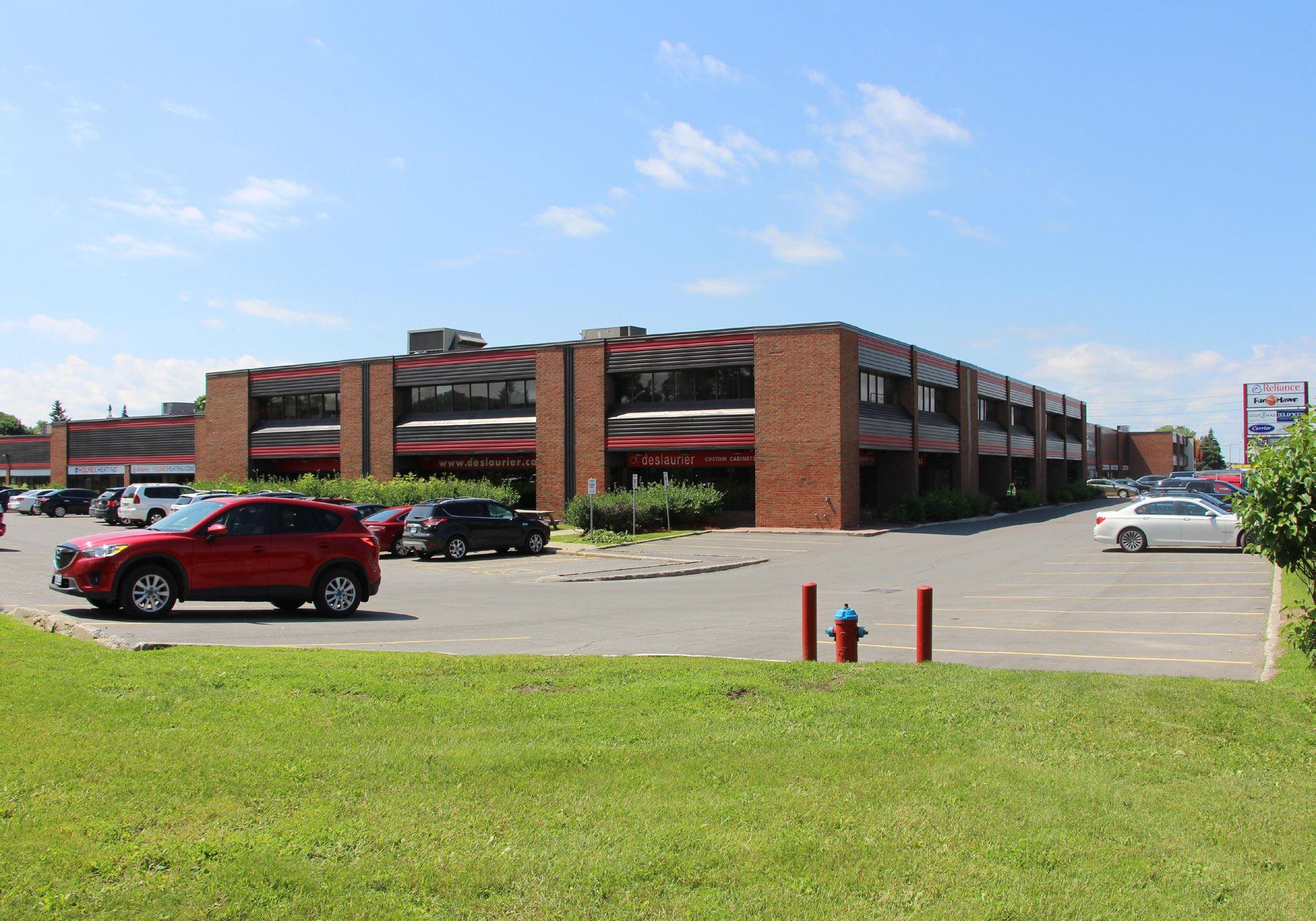 1050-1051 Baxter Road, Ottawa, Ontario
