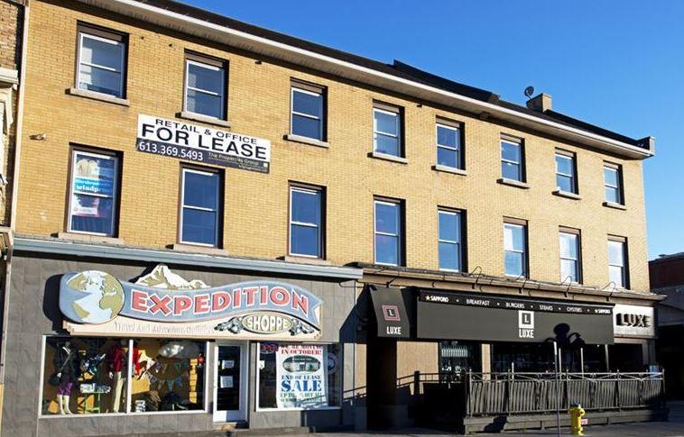 12-18 place Byward Market, Ottawa, Ontario