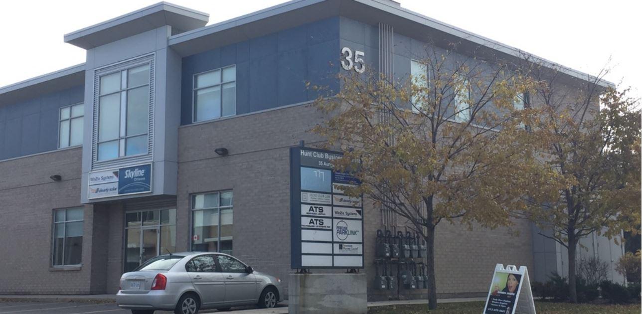 35 Auriga Drive, Nepean, Ontario