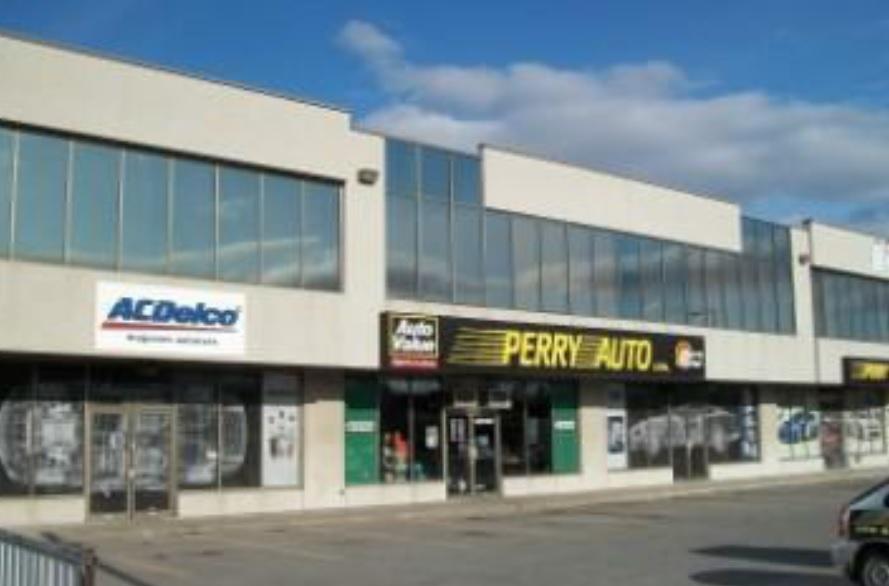 2267-2277 des Laurentides Boulevard, Laval, Québec