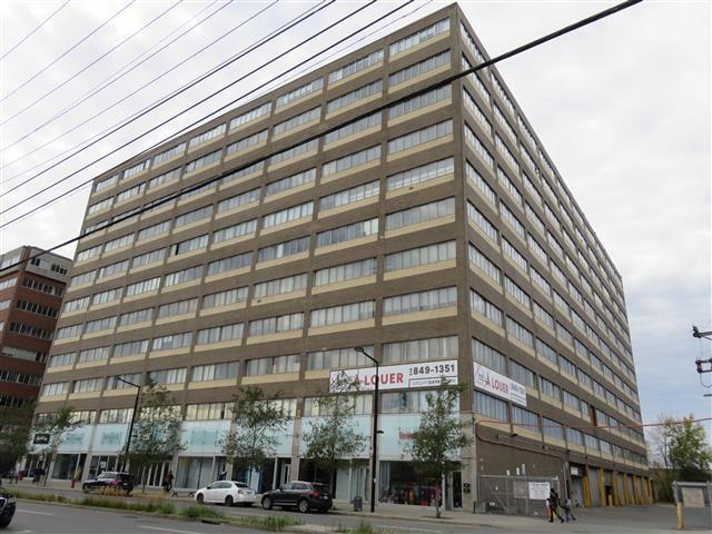 215-235 Chabanel Street West, Montreal, Québec